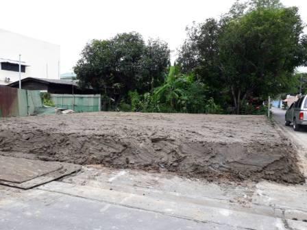 งานถมดินสร้างบ้าน ลาดพร้าว 71 ขนาด 50 ตารางวา ถมสูงกว่าถนน 50 เซ็นติเมตร