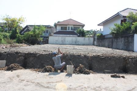 งานถมดิน ดินดำ เน้นสร้างบ้าน